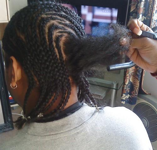 coiffure afro tresses plaquées